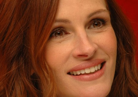 Has Julia Roberts undergone a Plastic Surgery?