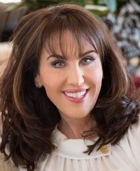 Robin McGraw porcelain veneers