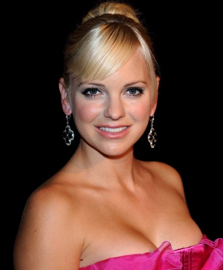 beautiful anna faris