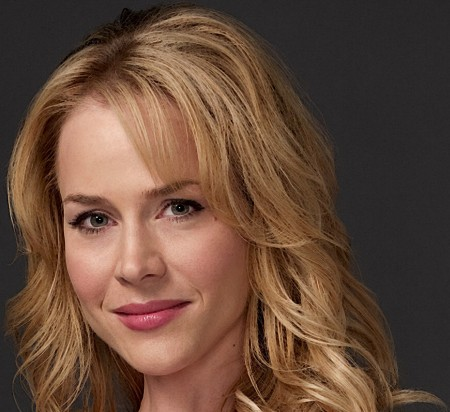 Julie Benz Facial Fillers Injected Into Her Face
