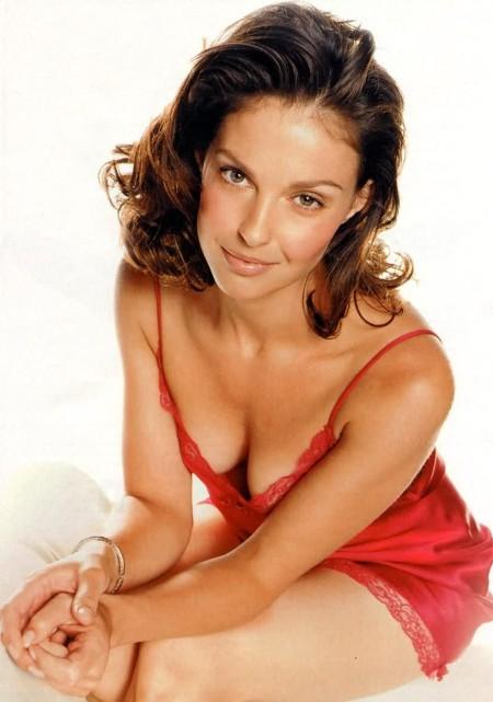 Ashley Judd Sexy Look