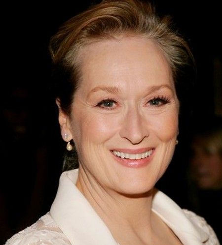 After Plastic Surgery Meryl Streep Has Smooth Neck