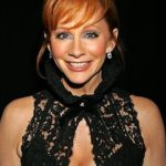 After Plastic Surgery Reba McEntire's Face Is Tighter And Her Nose Has A Slightly Different Shape