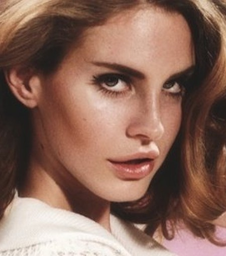 Lana Del Rey after nose job
