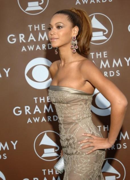 Beyoncé Plastic Surgery liposuction
