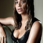 Beyoncé boobs Plastic Surgery 150x150