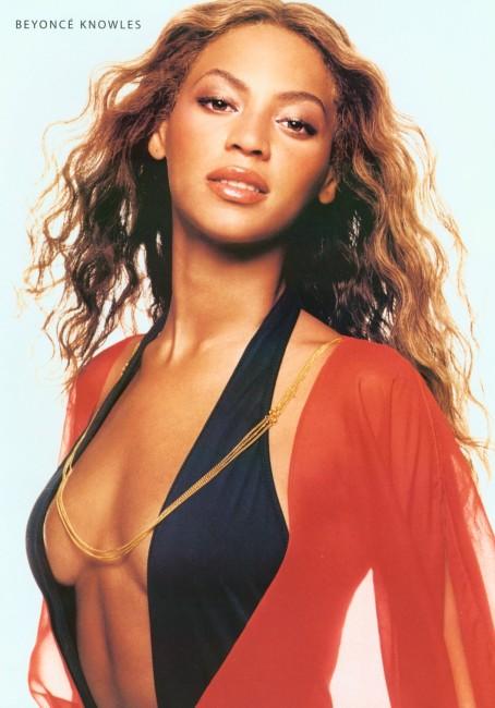 Beyoncé before boobs Plastic Surgery
