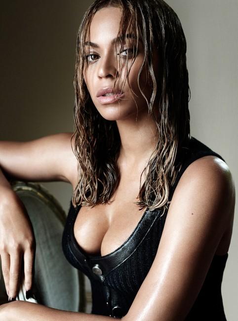 Beyoncé boobs Plastic Surgery