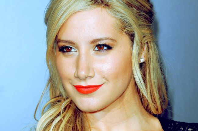 Ashely Tisdale after cheek Plastic Surgery
