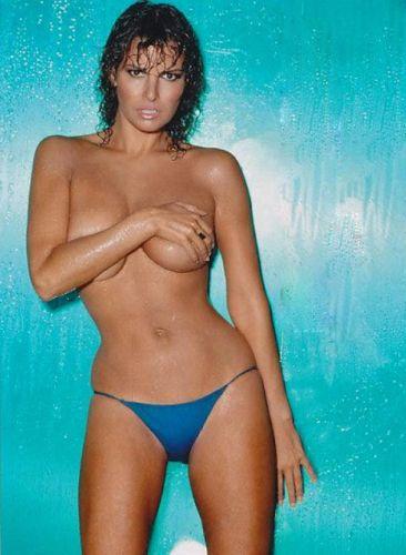 Raquel Welch Sex Bomb