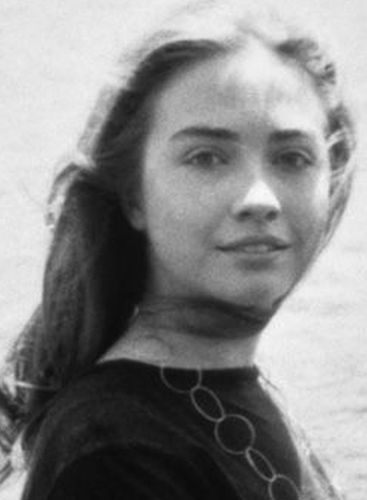 Hillary Clinton Young Student Days