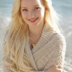 Dove Cameron Lovely Smile 150x150