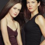 Lauren Graham and Alexis Bledel 150x150