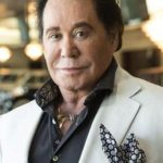 Wayne Newton After Cosmetic Surgery 150x150
