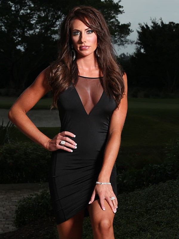 Holly Sonders 3