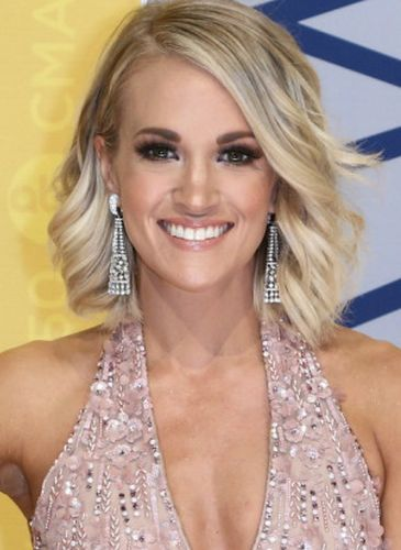 Carrie Underwood After Cosmetic Surgery